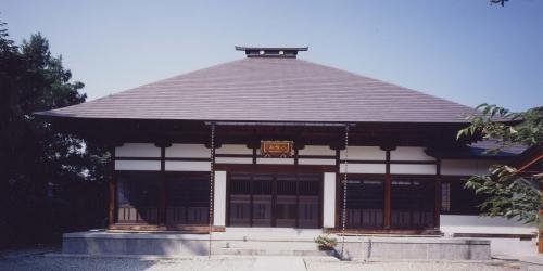 八幡山 梅慶寺 本堂